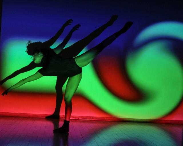 Zui Gomez Projection Art by Andrew Kaminski Photo by Cesar Brodermann