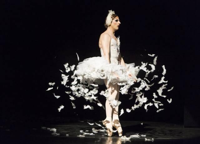 Les Ballets Trockadero de Monte Carlo's Maria Paranova (aka Carlos Renedo). Photo by Yi-Chun Wu.
