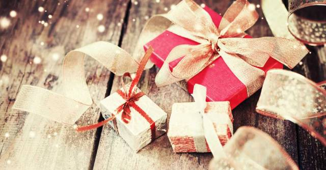 socialshare_1200x627_face-twit_holiday_gifts