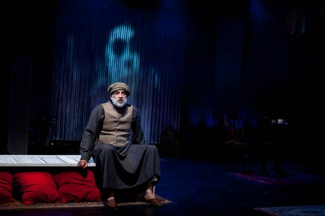 Alok Tewari as Abu. Photo credit: Stephanie Keith