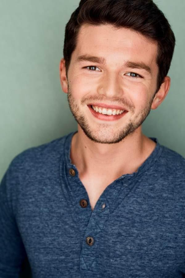 headshot of actor Tim Palmer